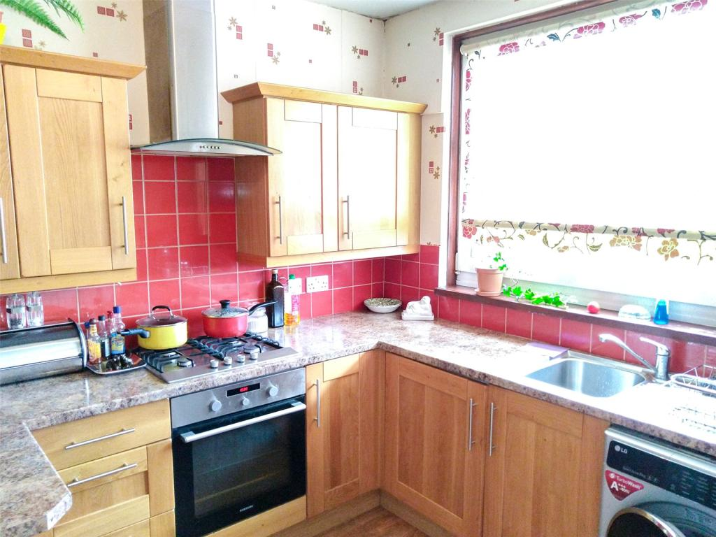 Apartment in Broomhill Road, Aberdeen, Aberdeenshire, AB10