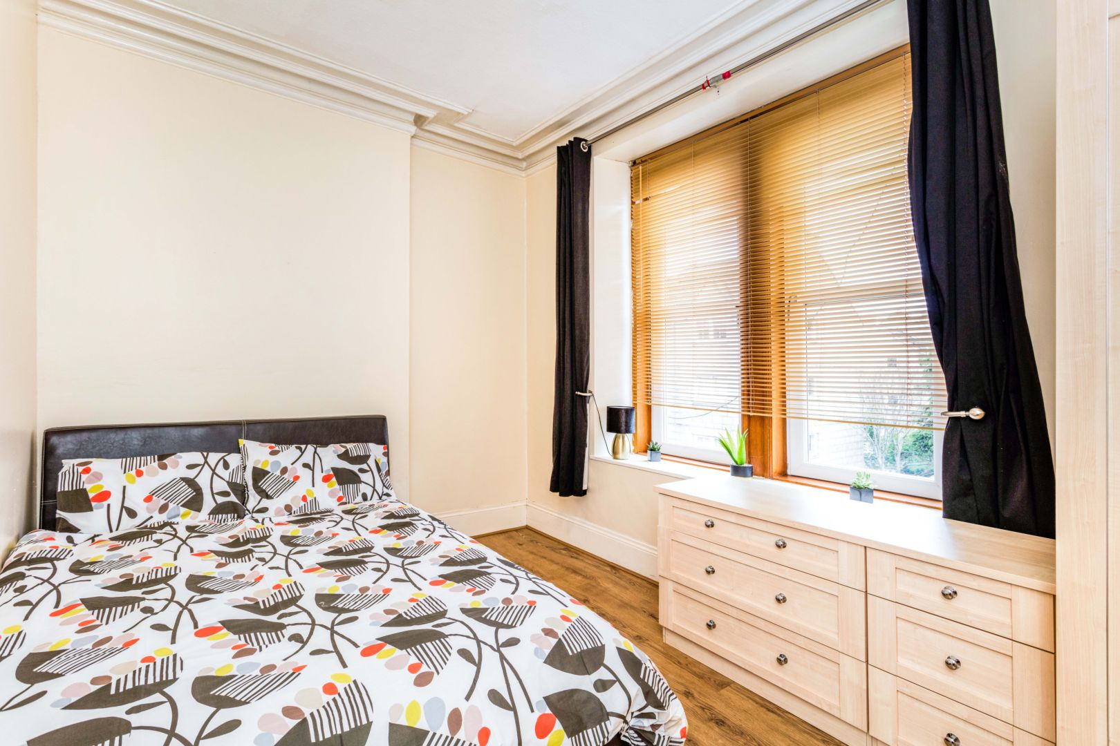 Flat in Whitehall Place, Aberdeen AB25